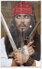 Panel szklany do szafy przesuwnej - Dissatisfied pirate