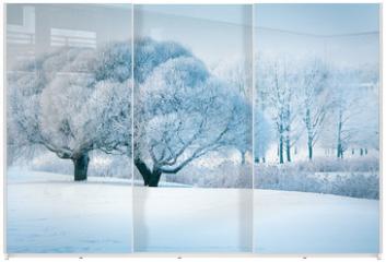 Panel szklany do szafy przesuwnej - Winter trees