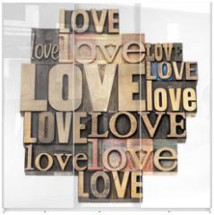 Panel szklany do szafy przesuwnej - love word in wood type