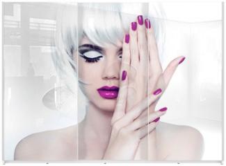 Panel szklany do szafy przesuwnej - Makeup and Manicured polish nails. Fashion Style Beauty Woman Po