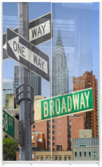 Panel szklany do szafy przesuwnej - Broadway sign in front of New York City skyline
