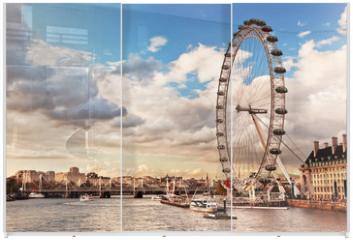 Panel szklany do szafy przesuwnej - London, England the UK skyline. The River Thames