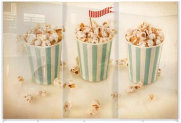 Panel szklany do szafy przesuwnej - Retro popcorn in a striped cups