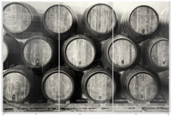 Panel szklany do szafy przesuwnej - Whisky or wine barrels in black and white