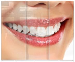 Panel szklany do szafy przesuwnej - Young smiling woman, white background, copyspace