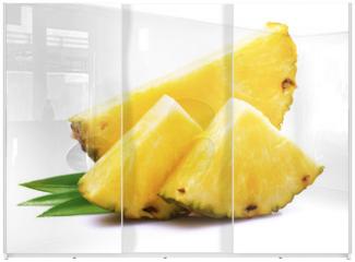 Panel szklany do szafy przesuwnej - Ripe pineapple with leaf.