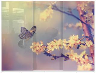 Panel szklany do szafy przesuwnej - Butterfly and cherry blossom