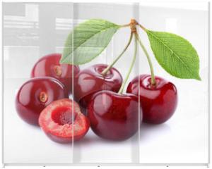 Panel szklany do szafy przesuwnej - Ripe cherry in closeup