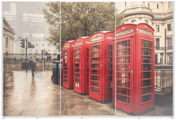 Panel szklany do szafy przesuwnej - Vintage style  red telephone booths on rainy street in London