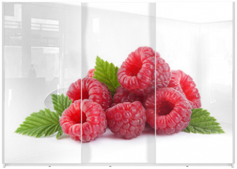 Panel szklany do szafy przesuwnej - Raspberry fruit with leaf