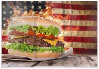 Panel szklany do szafy przesuwnej - Delicious hamburger with fire flames