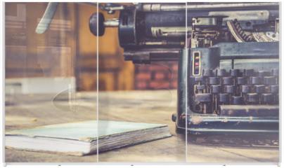 Panel szklany do szafy przesuwnej - close up of typewriter vintage retro styled