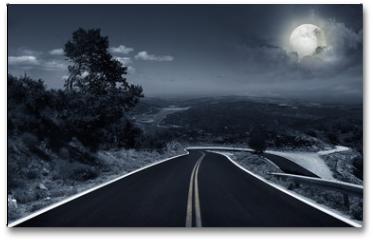 Plakat - An asphalt road at night