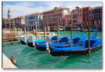 Plakat - beautiful gondolas anchored in Venice, Italy