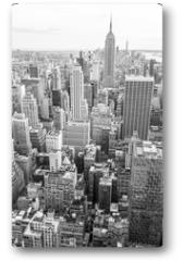 Plakat - View of Midtown Manhattan New York City skyline in monochrome black and white