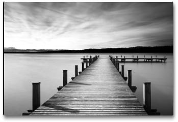 Plakat - Bootsanleger am Starnberger See, Bayern, Langzeitbelichtung in schwarzweiß