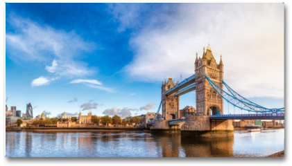 Plakat - London cityscape panorama with River Thames Tower Bridge and Tower of London in the morning light