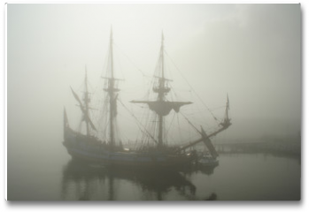 Plakat - old sailship (pirate?) in the fog