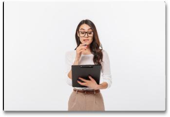 Plakat - Portrait of a pensive asian businesswoman