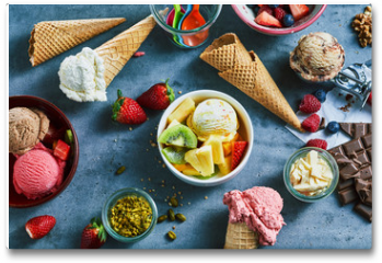 Plakat - Flat lay of assorted ice cream with ingredients