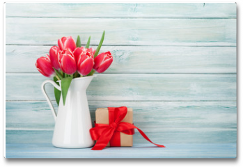 Plakat - Red tulip flowers and gift box