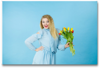 Plakat - Pretty woman with red yellow tulips bunch
