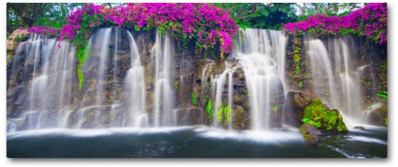 Plakat - Beautiful Lush Waterfall
