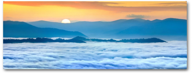 Plakat - Sunrise over the sea of fog in the mountains at the summer