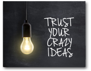 Plakat - Light bulb lamp on blackboard background with idea quote