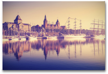 Plakat - Vintage style sailing ships at sunrise in Szczecin.