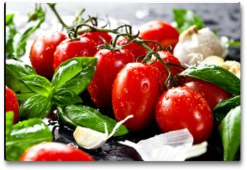 Plakat - Frische tomaten mit basilikum und knoblauch
