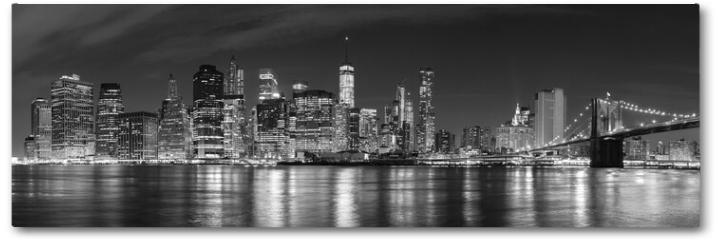 Plakat - Black and white New York City at night panoramic picture, USA.