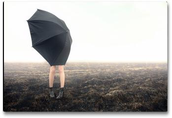 Plakat - Dziewczyna z parasolką na polu
