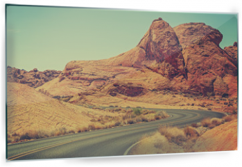 Panel szklany do kuchni - Vintage toned picture of a scenic winding road, USA