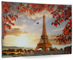 Panel szklany do kuchni - Eiffel Tower with autumn leaves in Paris, France