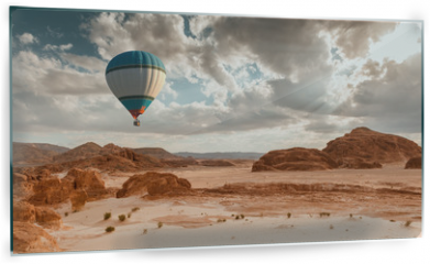 Panel szklany do kuchni - Hot Air Balloon travel over desert