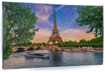 Panel szklany do kuchni - Paris Eiffel Tower and river Seine at sunset in Paris, France. Eiffel Tower is one of the most iconic landmarks of Paris.