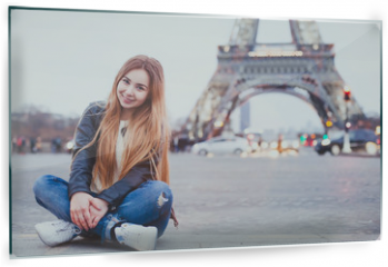 Panel szklany do kuchni - smiling happy beautiful woman tourist in Paris looking at camera, portrait of caucasian girl near Eiffel Tower