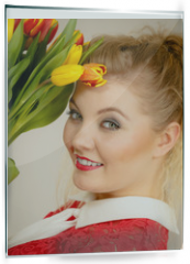 Panel szklany do kuchni - Pretty woman with red yellow tulips bunch