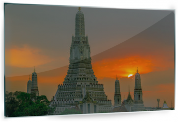 Panel szklany do kuchni - Twilight wallpaper in the evening,the sun going back to the horizon,Wat Arun Ratchawaramaram is a temple along the ChaoPhraya River is an important place and a beautiful tourist destination in Bangkok