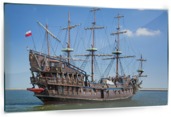 Panel szklany do kuchni - Pirate galleon ship on the water of Baltic Sea in Gdynia, Poland