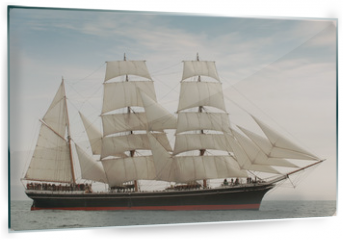 Panel szklany do kuchni - Vintage windjammer style ship with full sails on the open sea