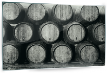 Panel szklany do kuchni - Whisky or wine barrels in black and white